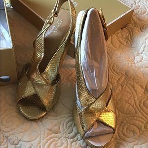 NWT Michael Kors Metalic Gold Heels